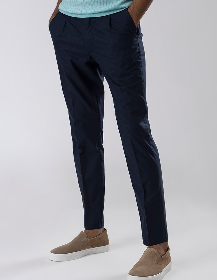 NAVY CHECK PLEATED TROUSER